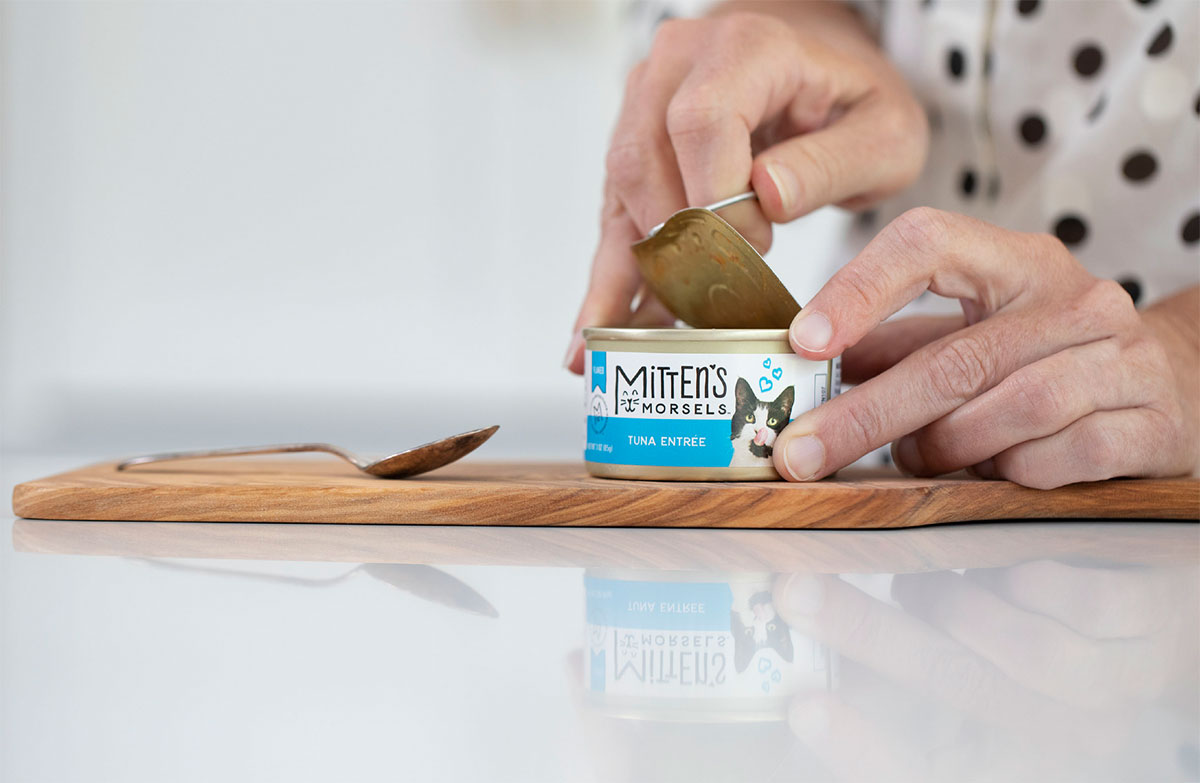 Mitten's Morsels - Pet Food Packaging - Opening